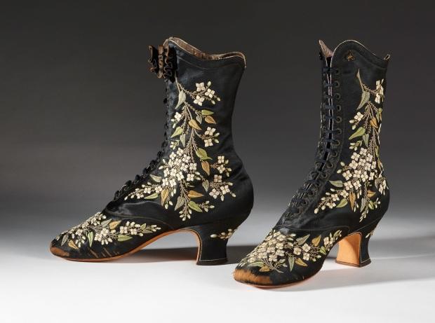 BATA SHOE MUSEUM - New Exhibition at Bata Shoe Museum