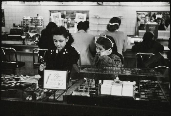 S Kubrick for Look 1947 MNY287533